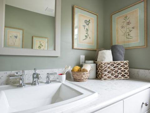 Room, Plumbing fixture, Interior design, Property, Wall, Bathroom sink, Tap, Interior design, Picture frame, Fluid,
