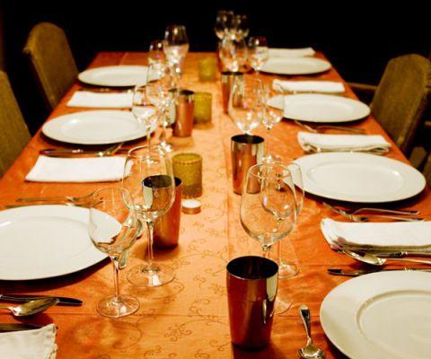 Charmant Dinner Table