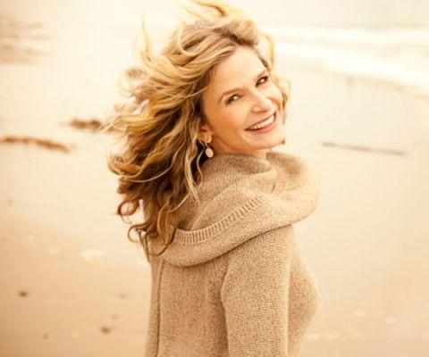 kyra sedgwick smiles
