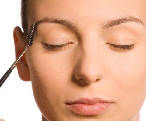 makeup brush on eyebrow
