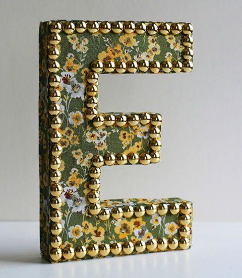 Photograph, Font, Metal, Brass, Rectangle, Bronze, Teal, Material property, Number, Bronze,