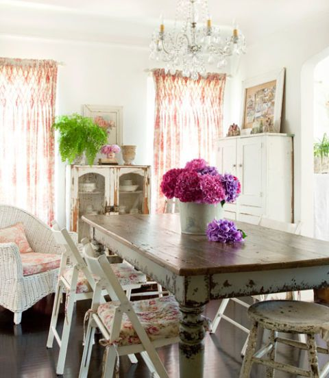 garden style dining room