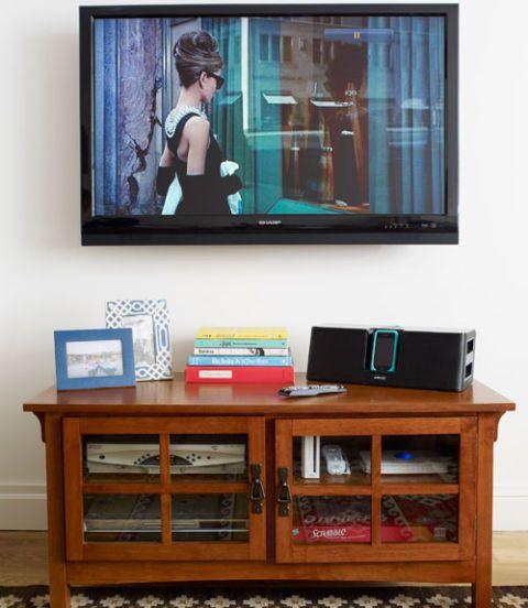 Display device, Picture frame, Hardwood, Shelving, Varnish, Sideboard, Drawer, Television, Television set, Led-backlit lcd display,