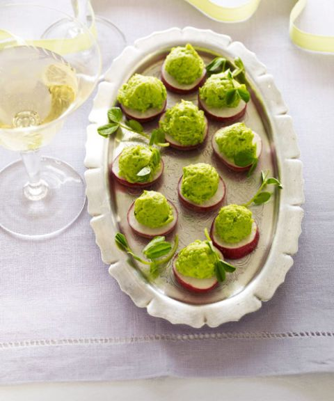 radishes with pea puree