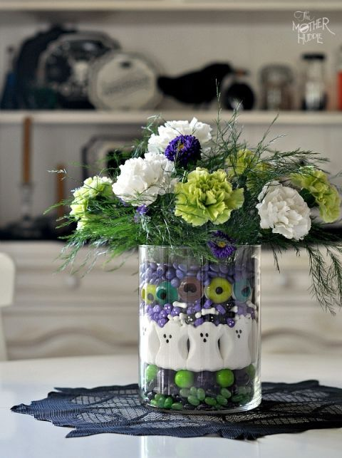 Petal, Bouquet, Flower, Cut flowers, Purple, Floristry, Lavender, Flowering plant, Artifact, Flower Arranging,