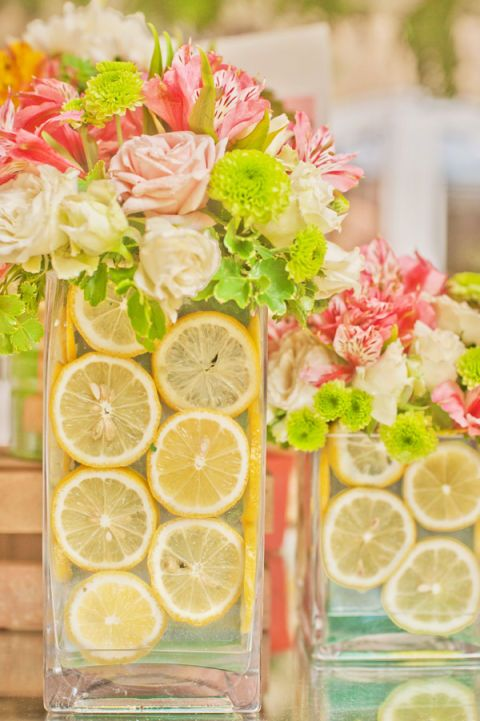 Lemon, Green, Citrus, Fruit, Meyer lemon, Sweet lemon, Petal, Citric acid, Flowering plant, Key lime,