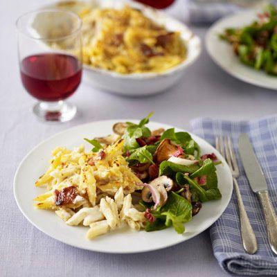 macaroni and cheese with mushroom salad