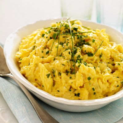 scrambled eggs with fresh herbs