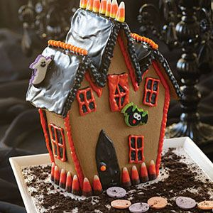 Haunted-Gingerbread-Cookie-House