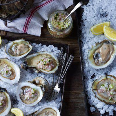 fest med sju fiskrecept - ostron med gurka citronskal mignonette