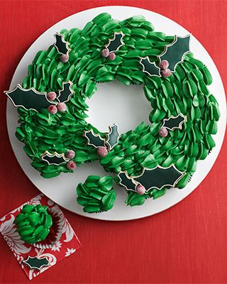 Christmas Cupcakes - Cupcake Wreath