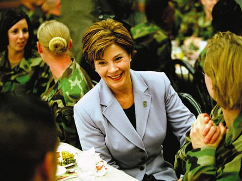 laura bush mingling with troops