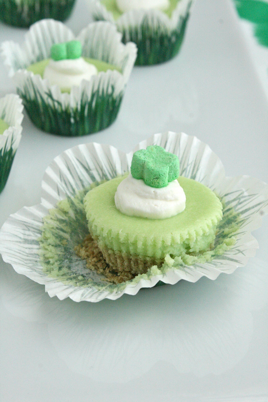 miniature lucky charm cheesecakes