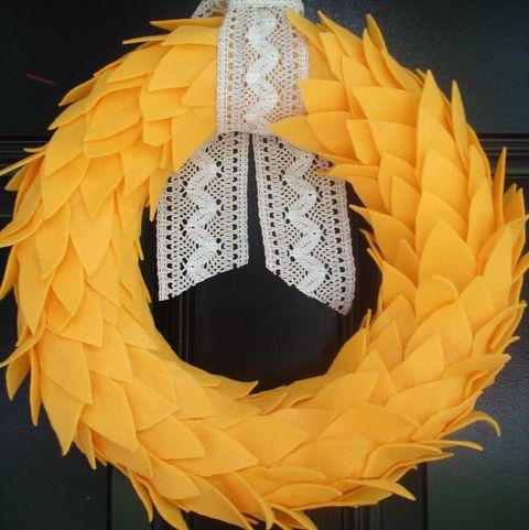 Fall Wreaths - Feather Wreath