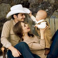 hottest country music celeb couples brad paisley and