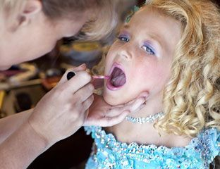 Toddlers in Tiaras - Girls Pageants