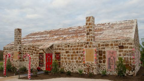 biggest gingerbread house guinness world record