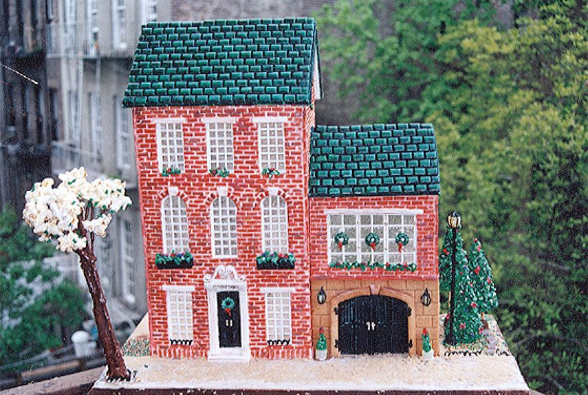 56 Amazing Gingerbread Houses - Pictures of Gingerbread House Design ...