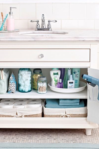 how to clean a cluttered room fast