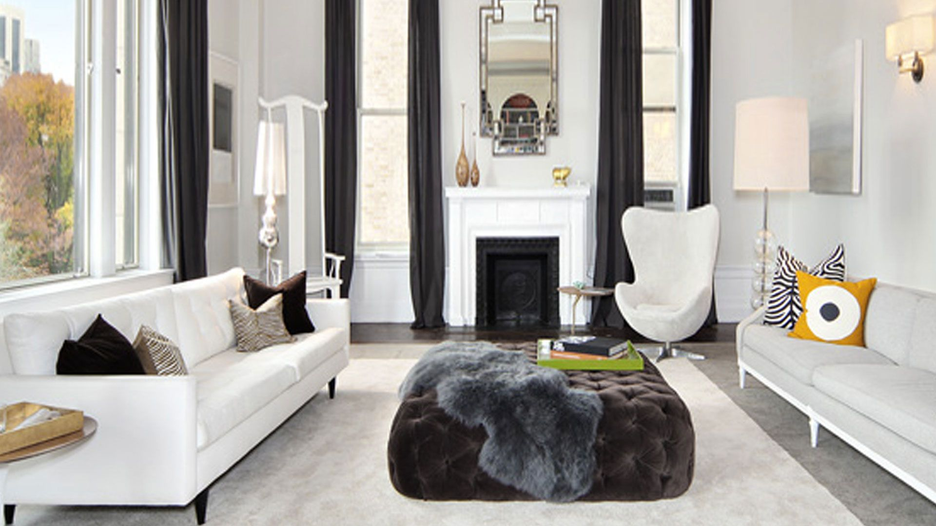 Superieur Living Room With Asian Chair