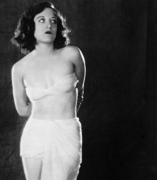 9ee4cebbe00b2 Evolution of the Bra - Historical Pictures of the Brassiere