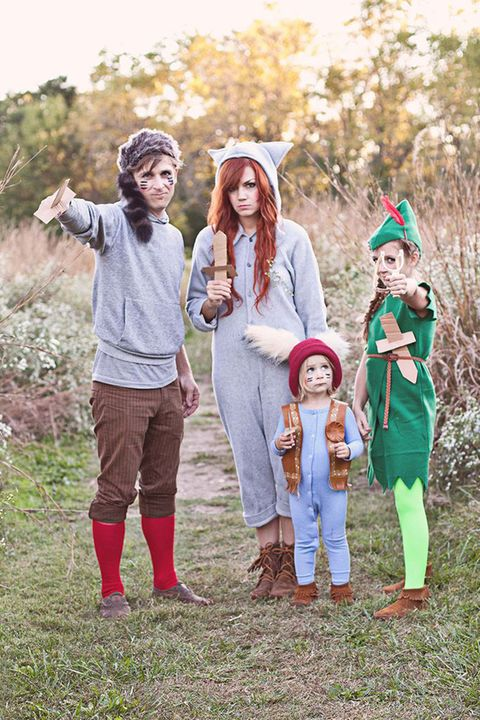 Peter Pan and the Lost Boys Group Halloween Costumes. Courtesy of Bloggers