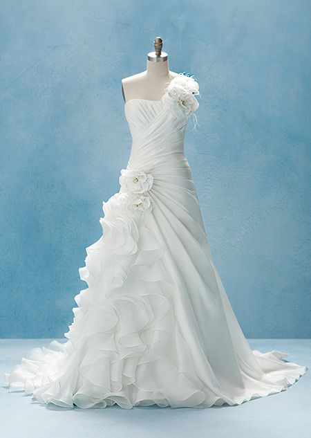 Disney Wedding Dress.Disney Princess Wedding Gowns Wedding Dresses Inspired By Disney