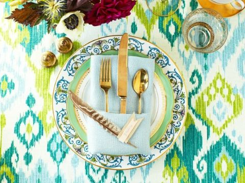 Dishware, Pattern, Turquoise, Teal, Fork, Aqua, Napkin, Kitchen utensil, Home accessories, Serveware,