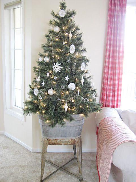 Interior design, Room, Christmas decoration, Christmas tree, Interior design, Home, Holiday, Fixture, Christmas ornament, Christmas,