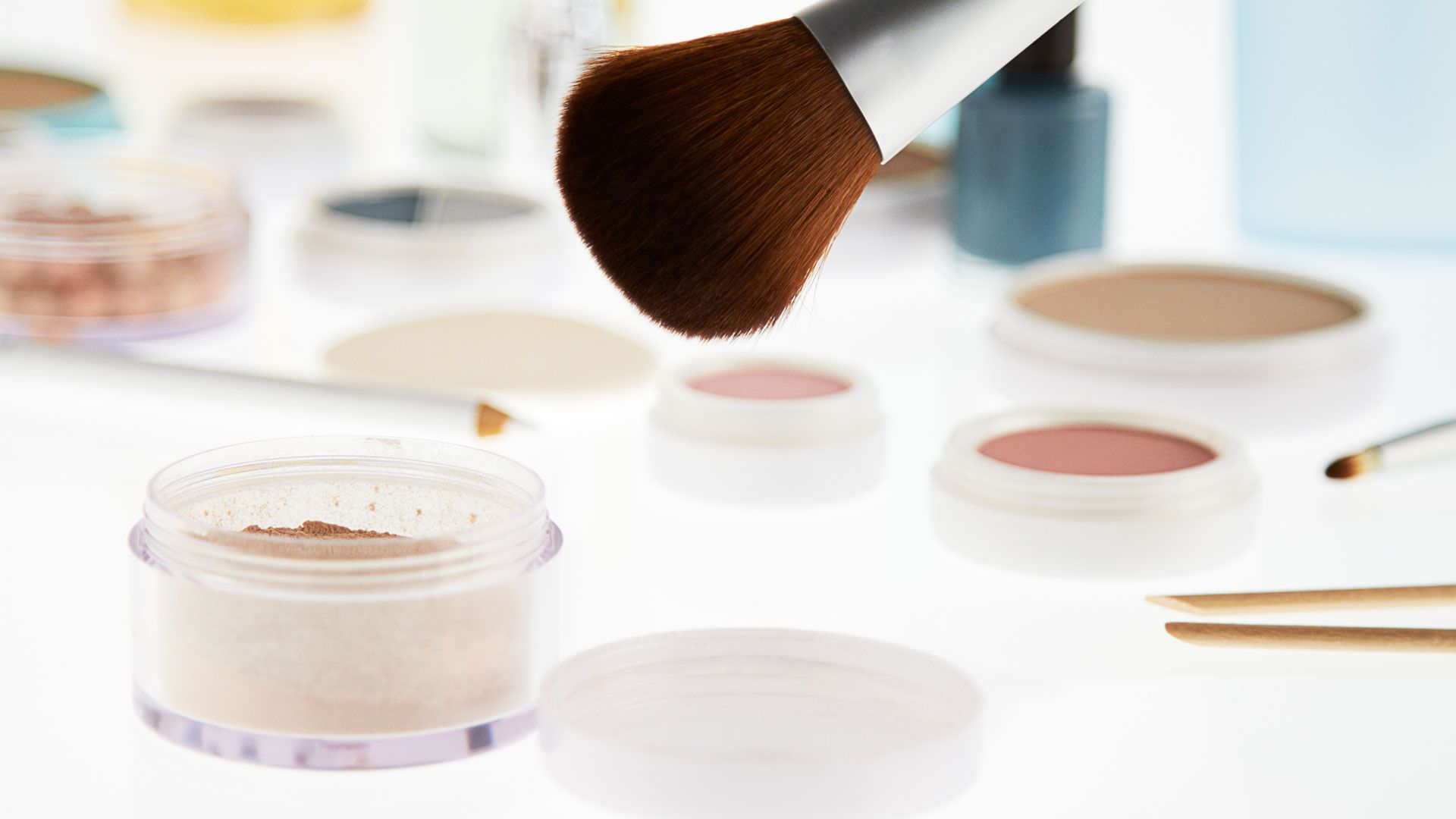 How To Wear Makeup Basic Tips