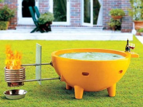 Garden, Yard, Backyard, Bird bath, Lawn, Flowerpot, Houseplant, Courtyard, Plastic, Landscaping,