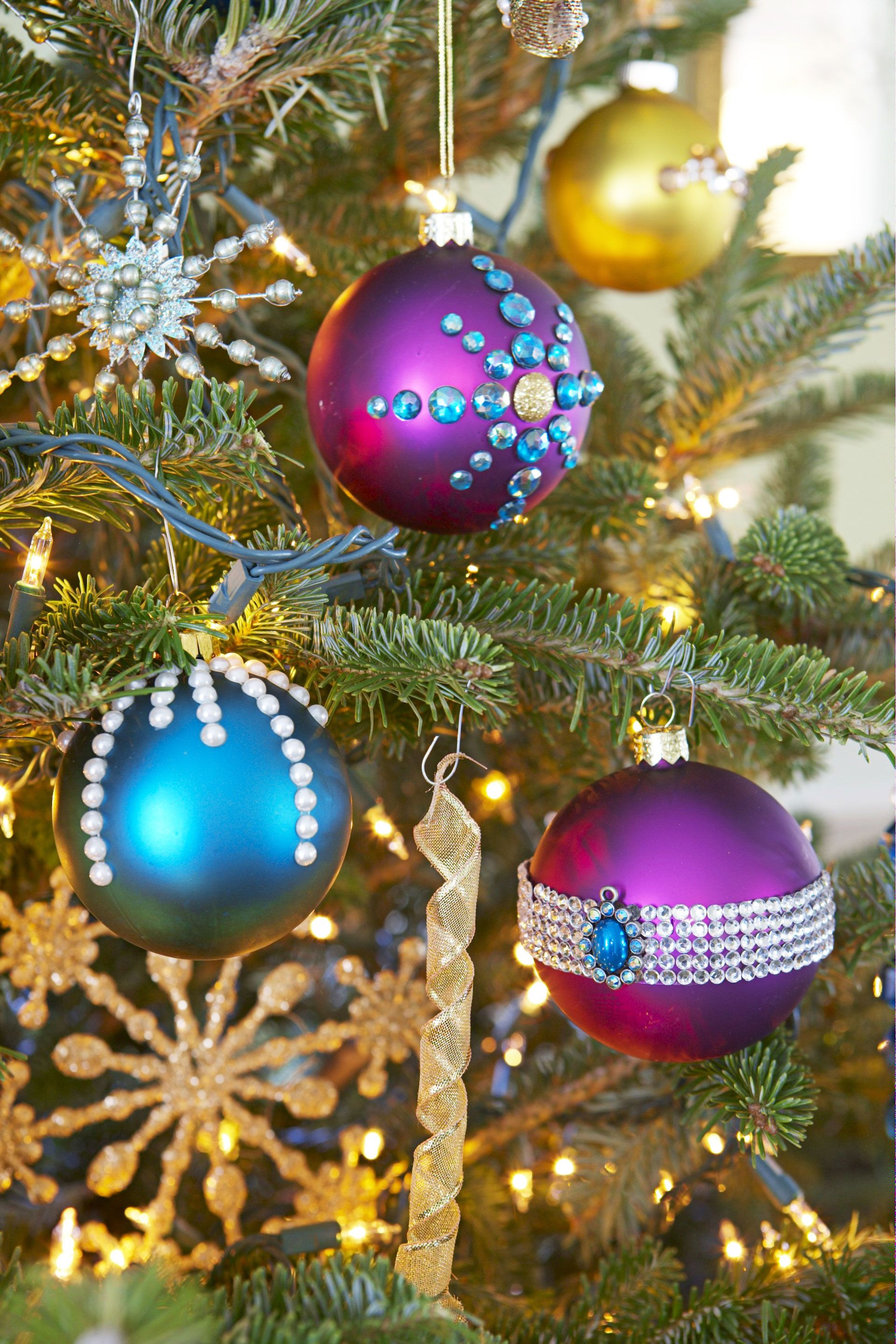 pictures of christmas tree ornaments