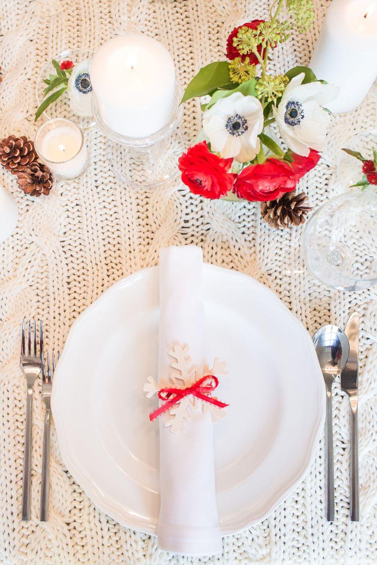 40 DIY Christmas Table Decorations and Settings ... - photo#7