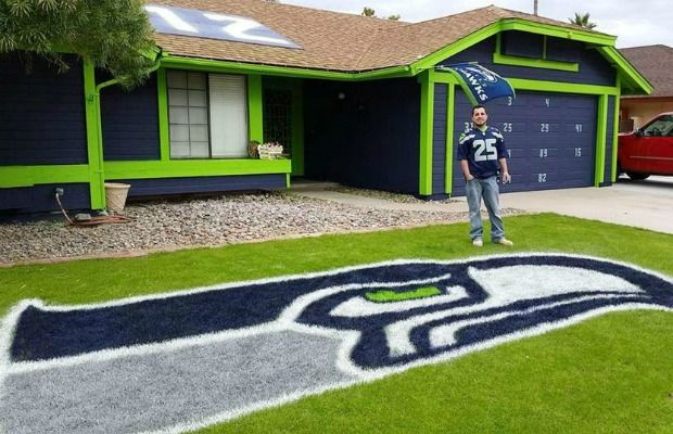 Man Painted House For Super Bowl
