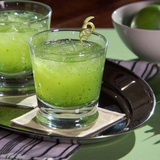 Green, Serveware, Dishware, Drink, Tableware, Juice, Liquid, Cocktail, Drinkware, Alcoholic beverage,