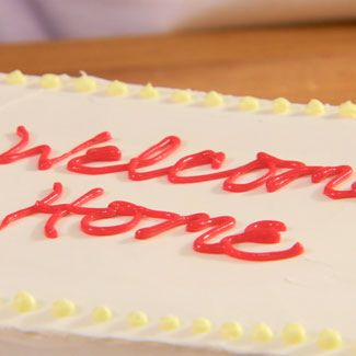 Sweetness, Food, Cuisine, Cake, Ingredient, Dessert, Baked goods, Cake decorating, Cake decorating supply, Dairy,