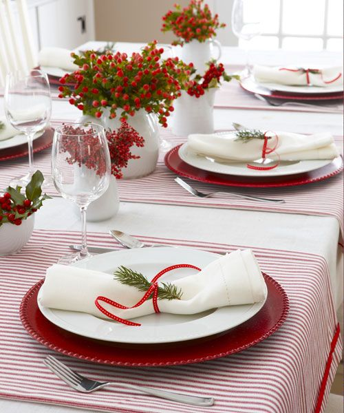 40 DIY Christmas Table Decorations and Settings - Centerpieces & Ideas for Your Christmas Table