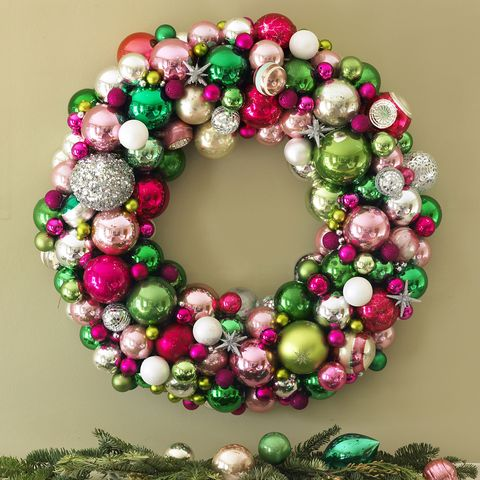 Christmas Wreath Ideas - Christmas Ball Wreath