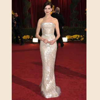 anne hathaway at the academy awards