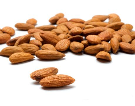 raw almonds raw nuts
