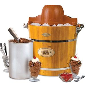 How to Use an Old-Fashioned Ice Cream Freezer - Texas m/features/m 17