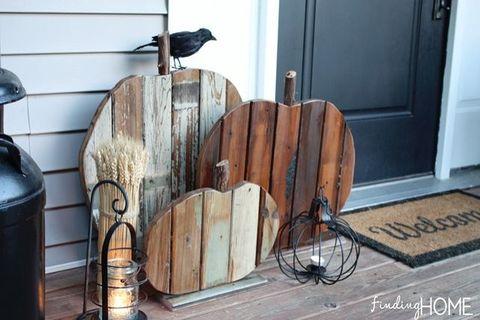 Wood, Door, Bird, Iron, Gas, Cylinder, Perching bird, Crow, Still life photography, Crow-like bird,