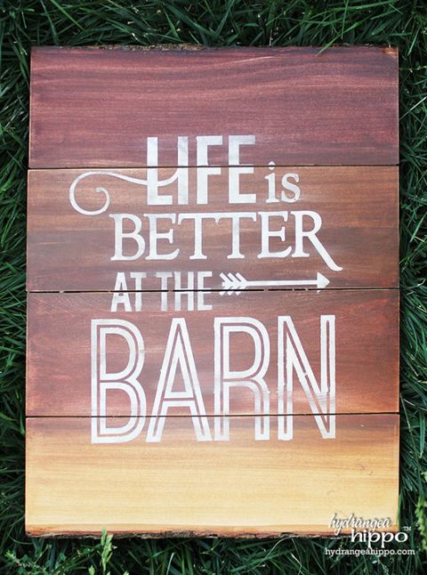 Wood, Brown, Text, Font, Hardwood, Grass family, Rectangle, Groundcover, Wood stain, Plywood,