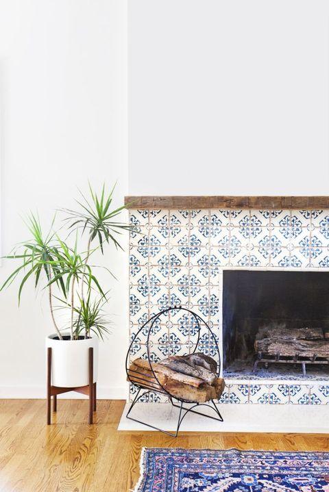 Hearth, Wall, Floor, Flowerpot, Fireplace, Gas, Wood flooring, Houseplant, Laminate flooring, Fire screen,