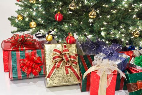 Gift Wrapping Tips and Tricks - Paper - Ribbons - Bows