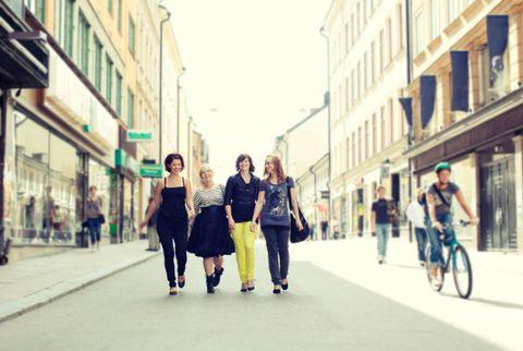 women walking in an American city