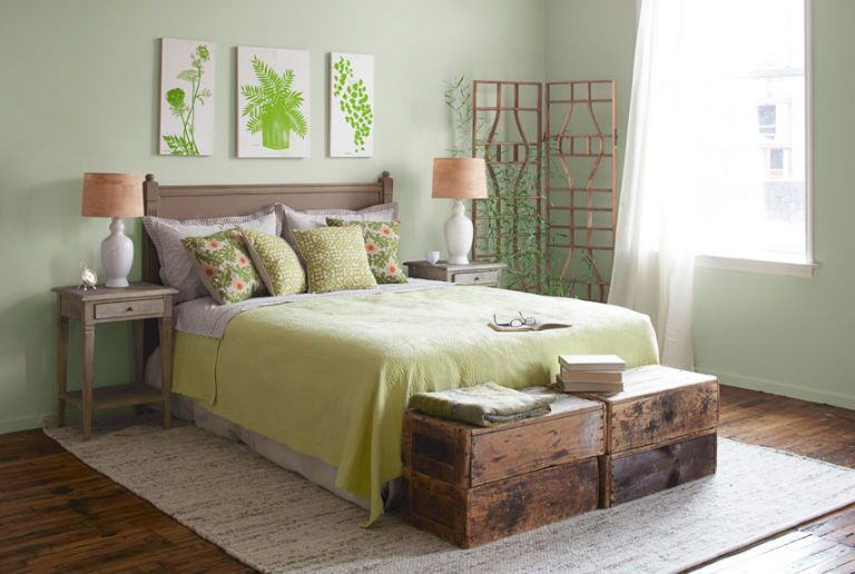 bedroom botanical accents