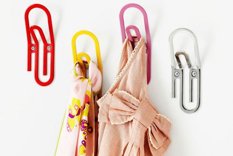 0813-smarter-storage-paper-clip-hooks-msc08.jpg
