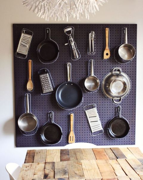 Kitchen utensil, Metal, Cutlery, Tool, Office instrument, Silver, Steel, Everyday carry, Natural material, Household silver,