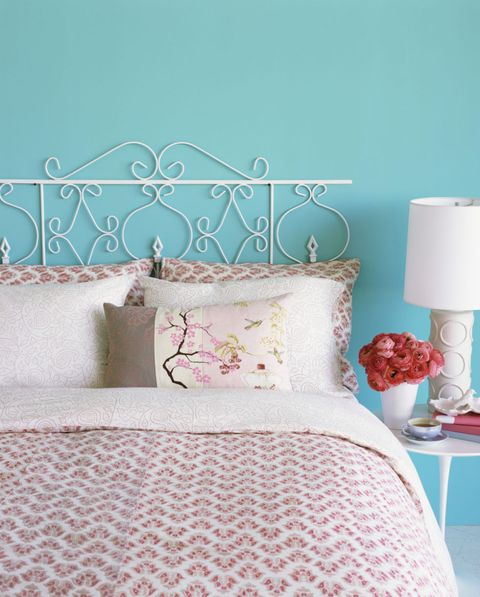 Bedroom, Bed, Blue, Aqua, Furniture, Bed sheet, Pink, Room, Turquoise, Pillow,